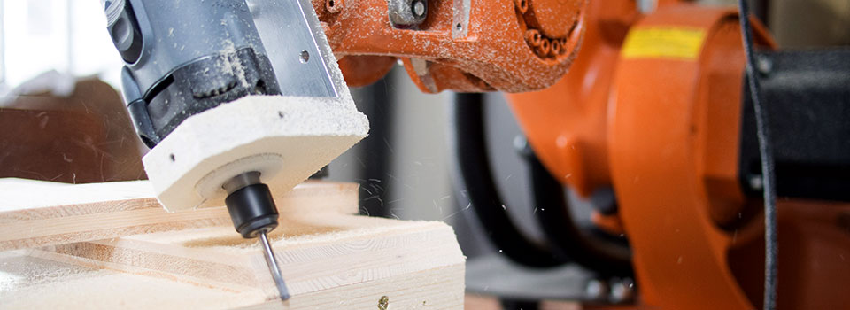 Robotic Milling of Wood Panels